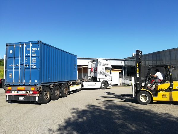 arrival of plain container in Austria